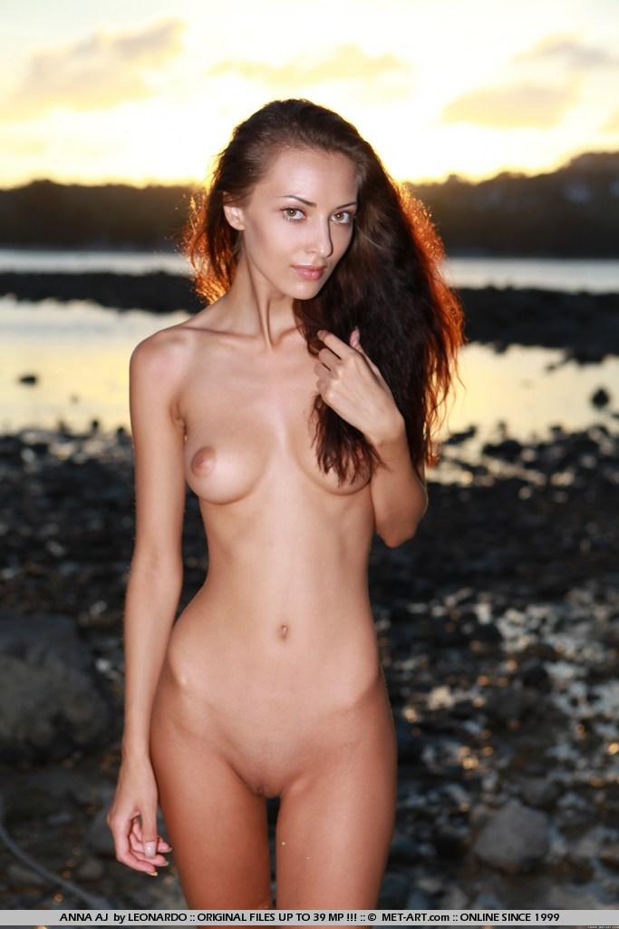 Sexy Naked Skinny Women